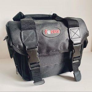 FOCUS | DSLR CAMERA CARRYING BAG